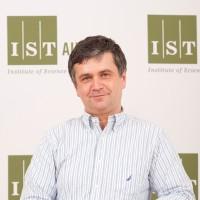 Jozsef Csicsvari
